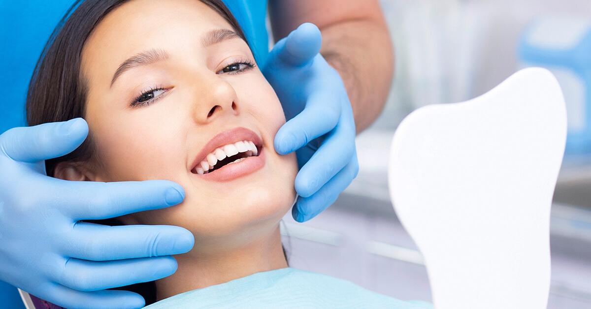 Expert Dentist for Teeth Whitening in Burlington, ON Area